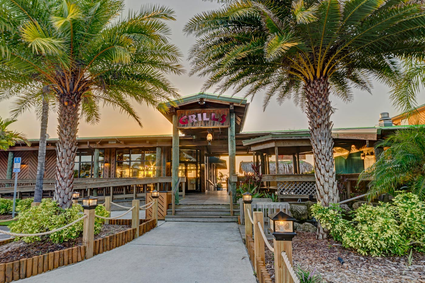 Grills Seafood Waterfront Restaurant Orlando Port Canaveral Melbourne