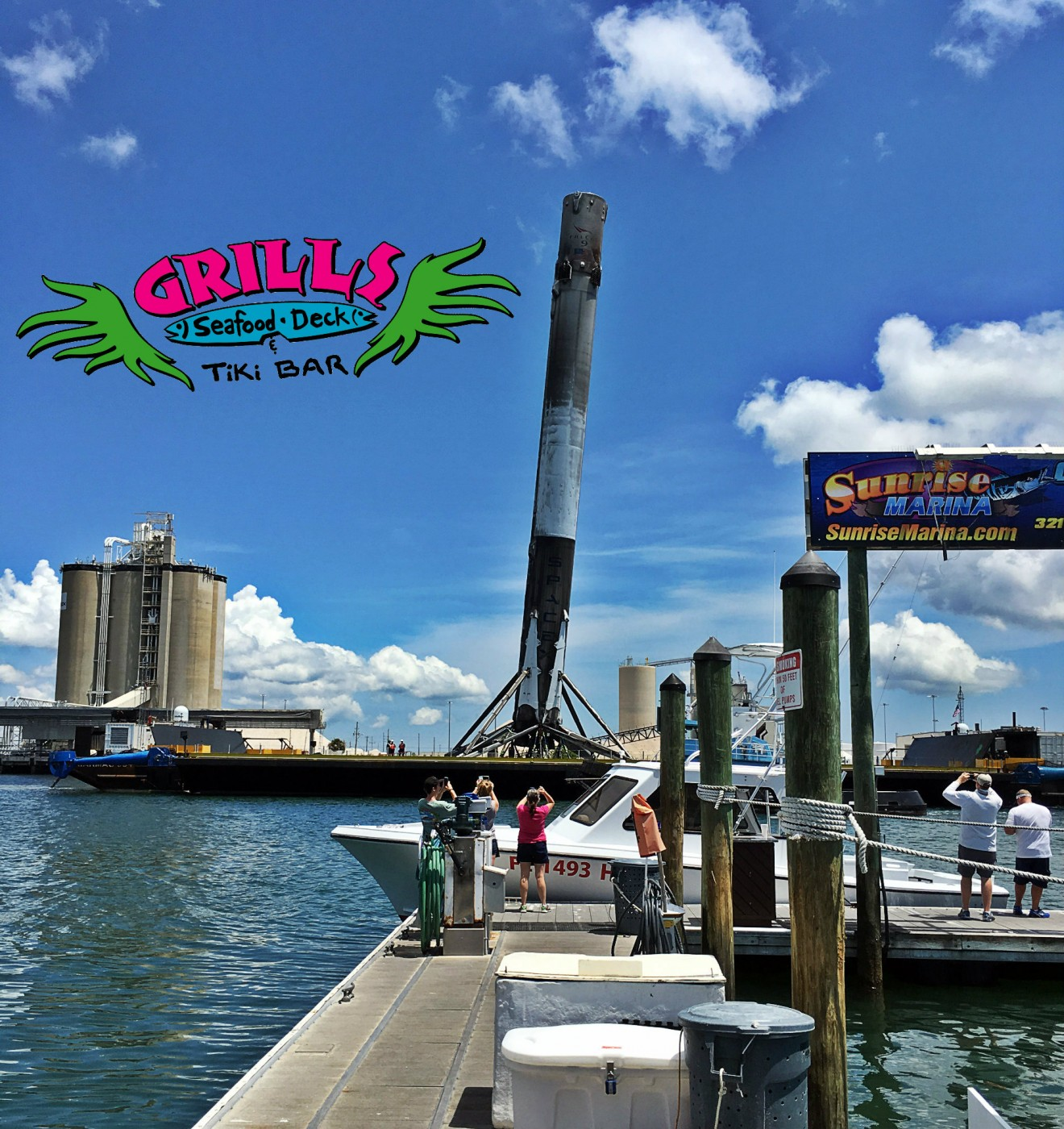 Spacex falcon9 arrives back in port canaveral grills seafood deck tiki bar - Grills seafood deck tiki bar ...