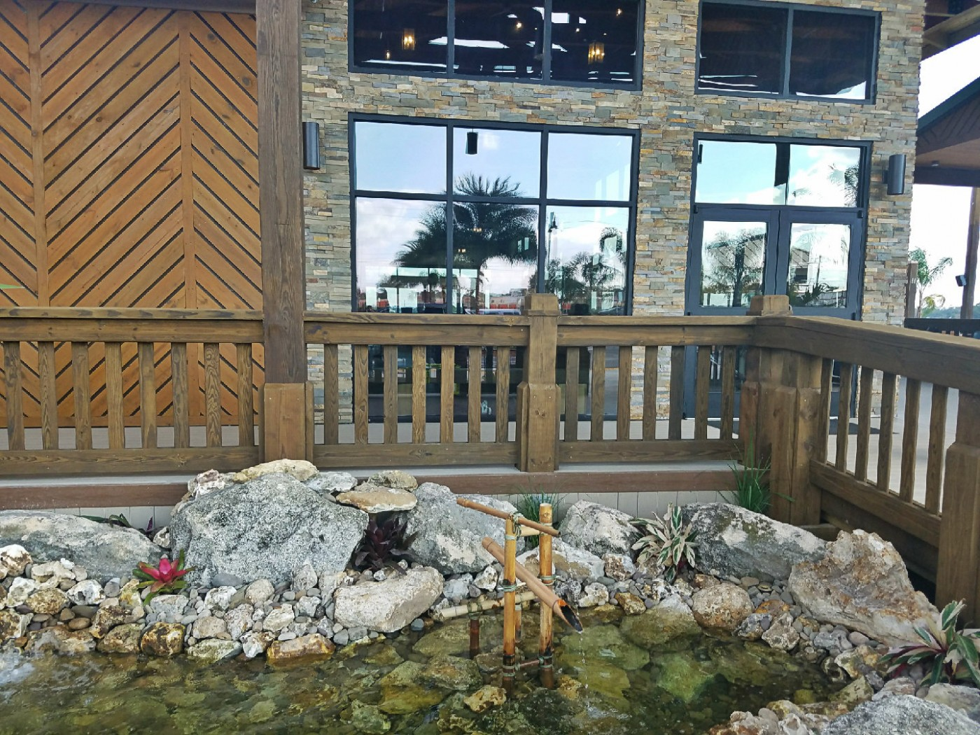 Grills Lakeside Restaurant Seafood Orlando Waterfront Best View Florida Near Disney Downtown